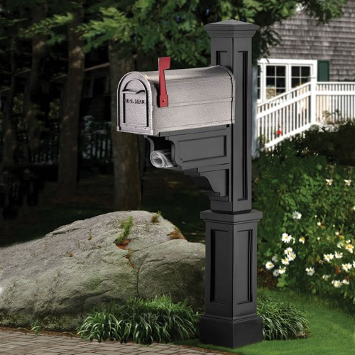 Dover Mail Post, Black or White